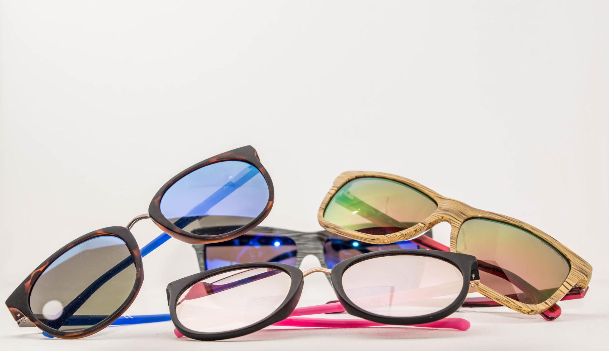 Протягом цілого року в наших салонах є широкий вибір якісних сонцезахисних  окулярів. Моделі їх постійно поновлюємо. Перед черговим весняно-літнім  сезоном ... 641ef5df212cc
