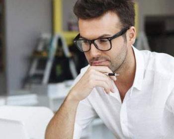 Що варто знати офісним працівникам про окуляри?